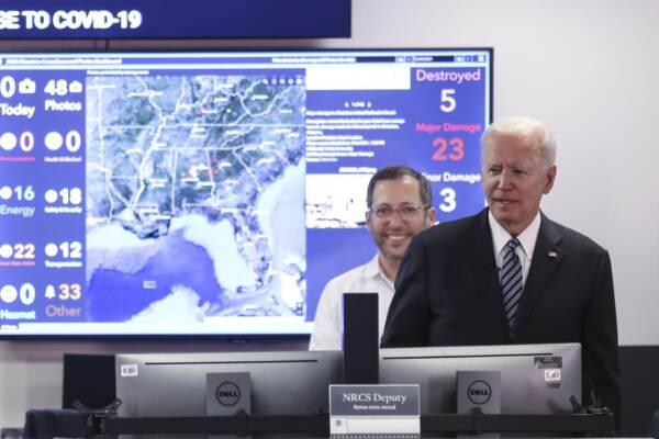 Il presidente degli Stati Uniti Joe Biden parla ad un briefing sulle prospettive dell'uragano atlantico
