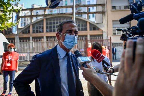 Milano, la camera ardente di Gino Strada presso la sede di Emergency