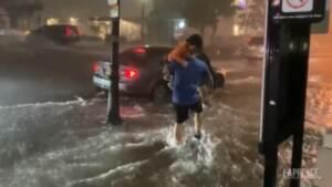 Usa, uragano Ida: inondazioni nel New Jersey, allagate strade e interni di edifici