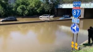 Usa, autostrade sommerse a New York dopo il passaggio dell'Uragano Ida