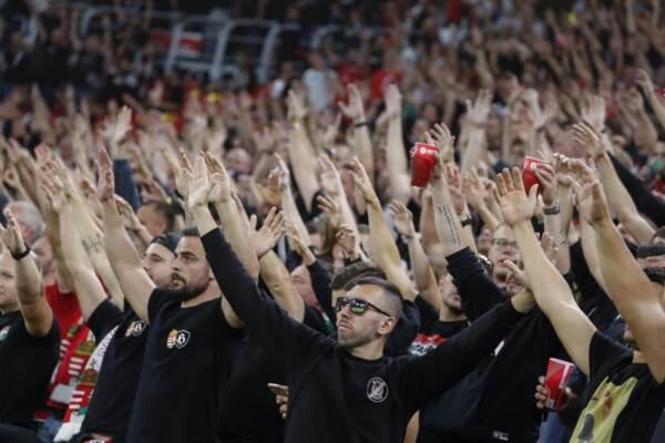 A Budapest cori razzisti contro giocatori inglesi, la Fifa apre un'indagine
