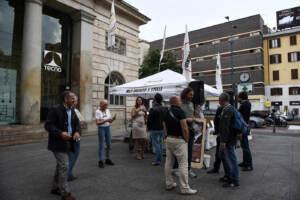 Milano, gazebo M5s per dare l'ok alla nascita del governo con la Lega