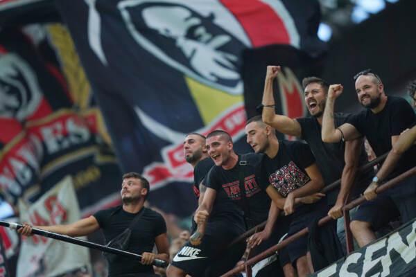 Marcia indietro del Milan dopo l'ondata di proteste dei tifosi rossoneri per i prezzi dei biglietti delle gare casalinghe della fase a gironi di Champions League
