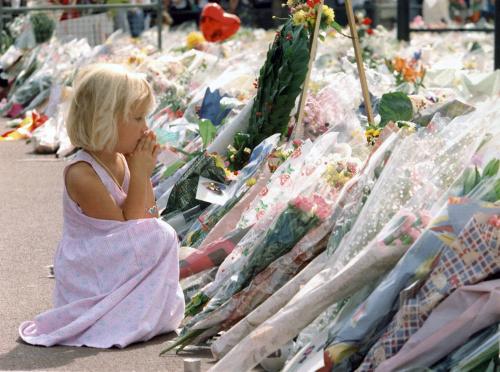6 settembre 1997, i funerali di Lady Diana commuovono il mondo   GALLERY