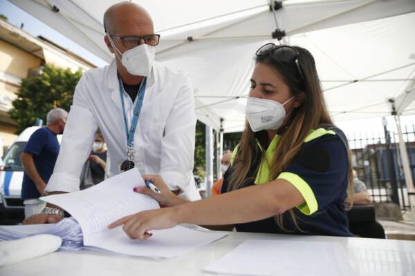 Campagna vaccinale anti Covid 19 itinerante con vaccino Janssen: la tappa al mercato di Ciampino