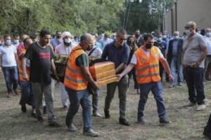 Funerale con rito islamico per Laila El Harim, morta schiacciata da un macchinario
