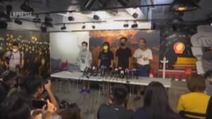 Hong Kong, quattro arresti nel gruppo che organizza la veglia per piazza Tienanmen