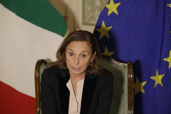 Attentato in Francia: risposta del ministro Lamorgese alle polemiche