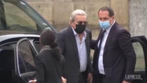 Parigi, ai funerali di Belmondo gli amici e colleghi Delon e Dujardin