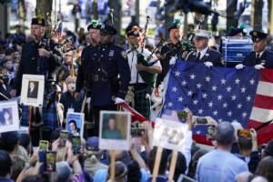 11 settembre, l'America si ferma: un minuto di silenzio e il ricordo delle vittime