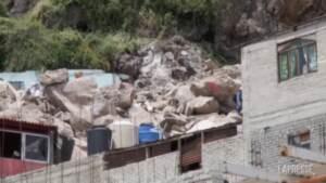 Messico, frana vicino alla capitale: proseguono le ricerche sotto alle macerie