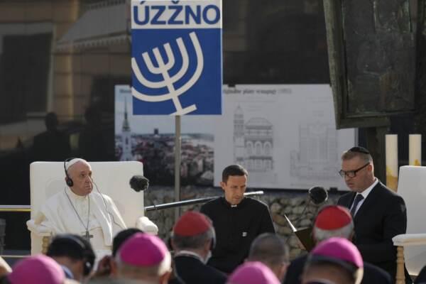 """Shoah, il Papa con la comunità ebraica slovacca: """"Dio disonorato, uniti contro antisemitismo"""""""