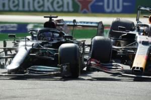 """Monza, Hamilton approva la penalità a Verstappen: """"Precedente importante per sicurezza"""""""