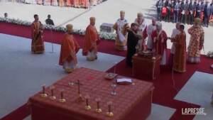 Papa in Slovacchia celebra anche una messa con rito bizantino