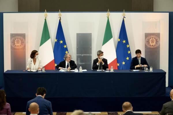 Palazzo Chigi, conferenza stampa al termine del Consiglio dei Ministri