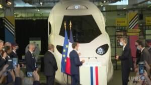 Francia: Macron svela a Parigi il nuovo TGV