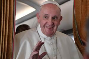 Vaticano, Papa: Ancora vivo anche se alcuni mi volevano morto. Preparavano Conclave
