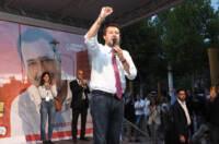 Lega, addio al vetriolo di Donato. Salvini tira dritto: ma caos nel partito