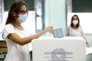 Il voto ai tempi del Covid. Da sciogliere il nodo Green pass al ballottaggio   SCHEDA