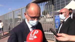 """Green Pass, Letta: """"No ambiguità, non si può stare con un piede nell'opposizione e uno nella maggioranza"""""""