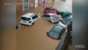 Spagna, inondazione colpisce il Sud: le auto galleggiano in strada