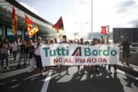 Roma, sciopero e manifestazione dei lavoratori Alitalia all'aeroporto di Fiumicino