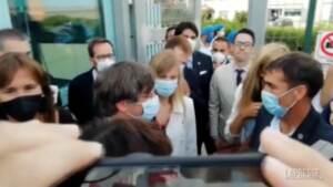 Il leader catalano Puigdemont lascia il carcere di Sassari