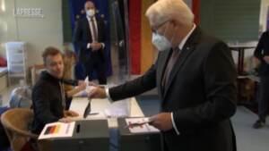 Elezioni in Germania, il presidente Steinmeier vota a Berlino
