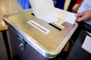 Germania, proiezioni: è testa a testa tra Spd e Cdu ma i socialdemocratici chiedono il cancelliere