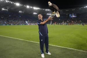 Sarri batte Mou, la Lazio fa suo un derby show: 3-2 alla Roma