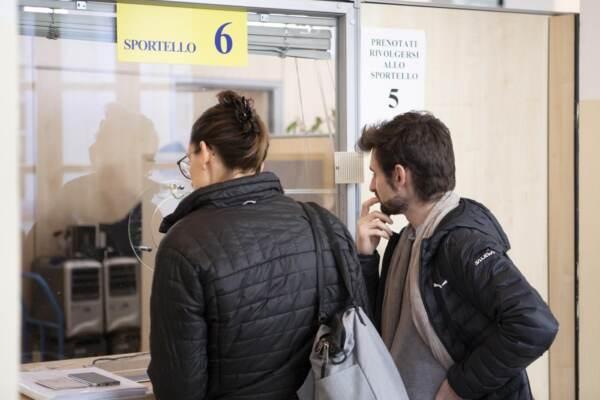 Milano, uffici del Comune senza file ma è impossibile ottenere certificati