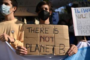 Torino, Fridays for future: gli studenti tornano in piazza a scioperare per il clima