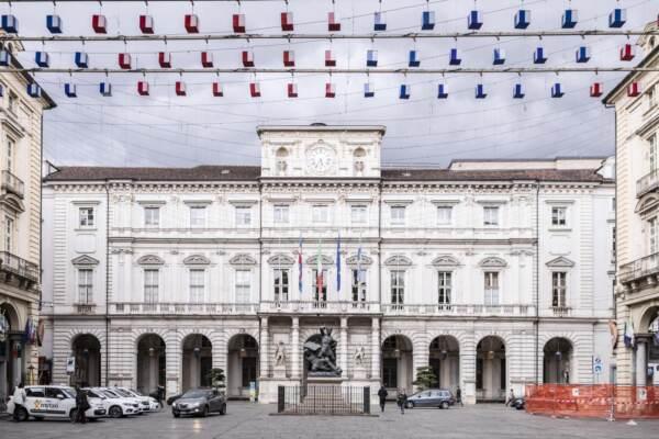 Smontaggio Luci Artista Piazza Palazzo di Città