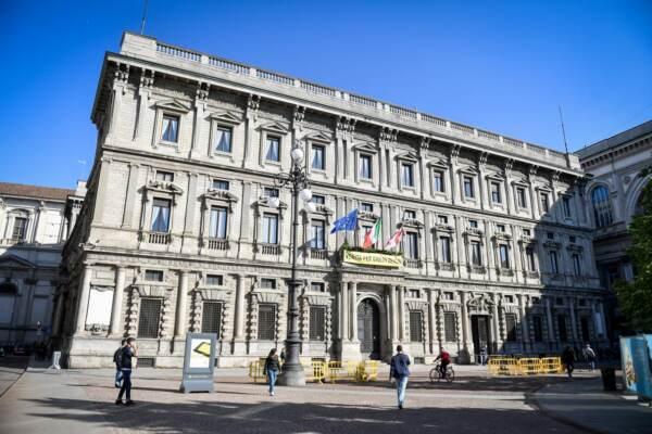 Comune Milano, Brunetta manda gli ispettori negli uffici dove non si ottengono certificati