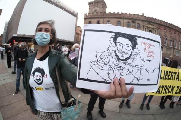 Bologna, presidio di Amnesty International per la liberazione di Patrick Zaky alla vigilia dell'udienza