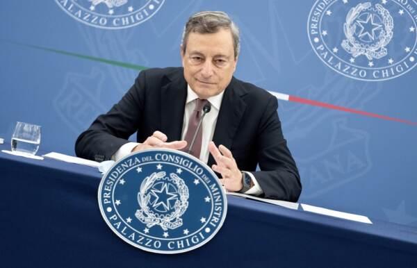 Governo: Draghi, fiducia nell'Italia, ora mantenere crescita. Sì a riforma catasto ma no tasse