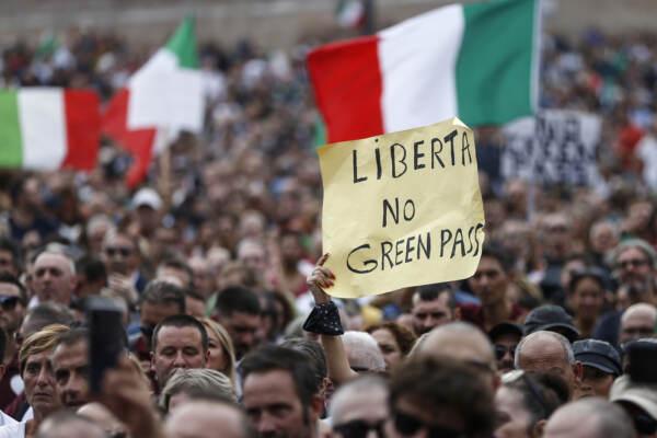 Green pass: Draghi va avanti, nessun rinvio. Ipotesi 'sconto' sui tamponi
