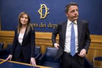 Roma, conferenza stampa di Matteo Renzi e i familiari delle vittime dell'incidente a Freginals