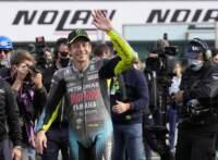 MotoGP, l'ultimo abbraccio di Misano a Valentino Rossi