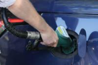 Regno Unito, tensione e code alle pompe di benzina a causa della mancanza di carburante