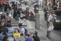 BO Piazza Verdi e Piazza Aldrovandistudenti assembrati